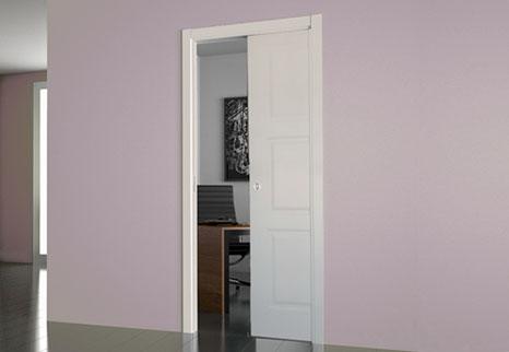 Porte scorrevoli interno muro o porte a scomparsa, indispensabili in alcune situazioni.